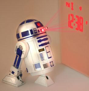 Star Wars Wecker R2-D2 - 3D-Wecker aus Kunststoff, mit R2-D2 Sounds (Foto: Amazon)