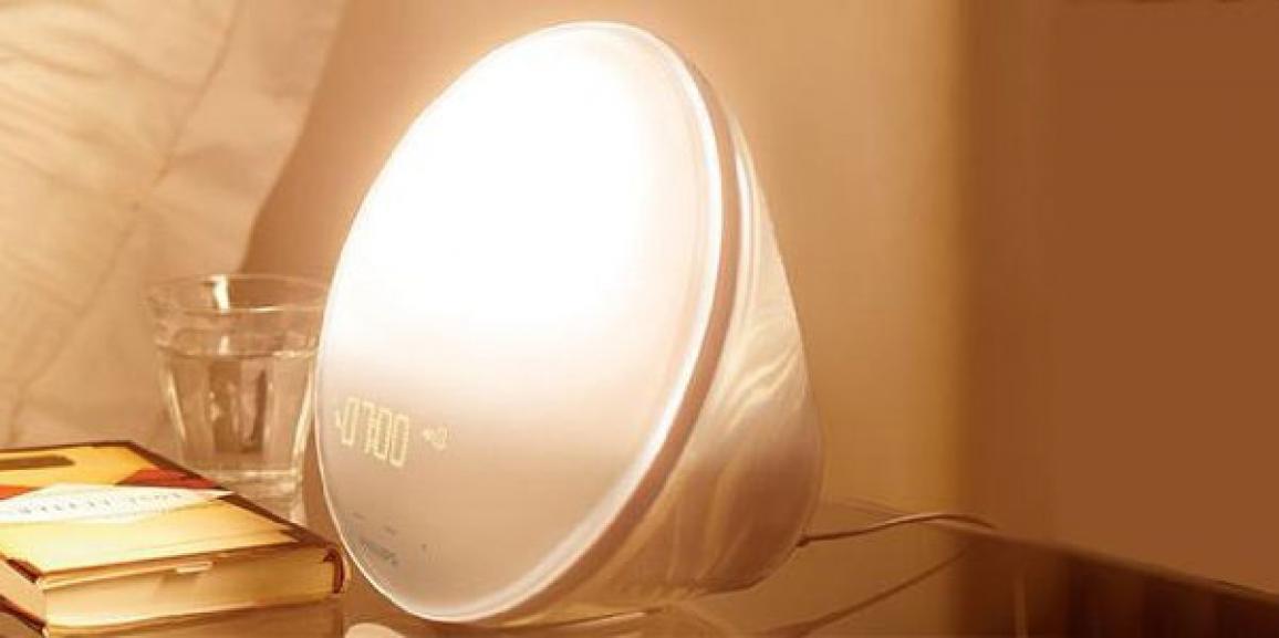 Mit dem Philips Wecker sanft aufwachen: Der HF3520 ist der Bestseller der Lichtwecker